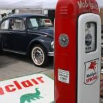 Mobile Gas Pump, Volkswagen Beetle, Sinclair Sign